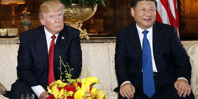 Trump och Kinas ledare Xi Jinping under toppmötet i  Florida i april. TT