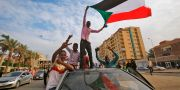 Sudanesiska demonstranter i Khartoum. ASHRAF SHAZLY / AFP