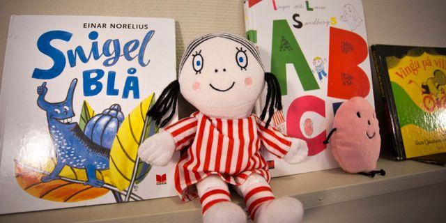 Docka och barnböcker på en förskola. Bilden är en genrebild.  Björn Larsson Rosvall / TT / TT NYHETSBYRÅN