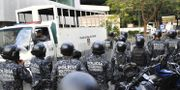 Protesterna på platsen.  YURI CORTEZ / AFP