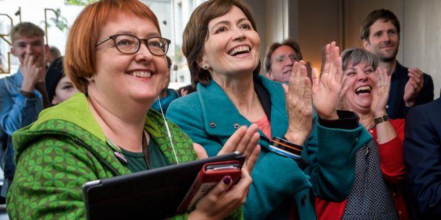 Gröna partiets ledare Regula Rytz (mitten). FABRICE COFFRINI / AFP