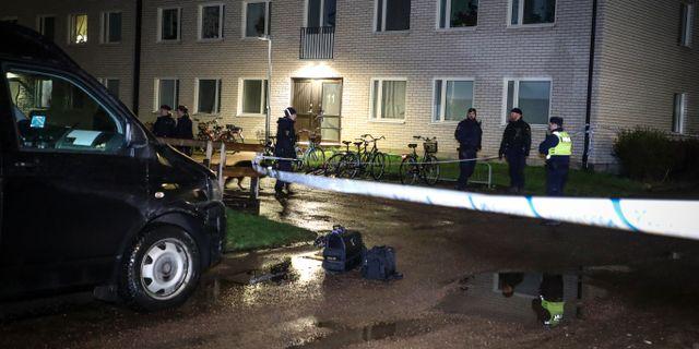 Polis på plats i stadsdelen Skäggetorp i Linköping. Jeppe Gustafsson/TT / TT NYHETSBYRÅN