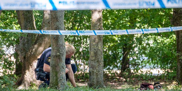 Polis vid Nydalaparken i juli i somras, då mordet och mordförsöket inträffade.  Johan Nilsson/TT / TT NYHETSBYRÅN