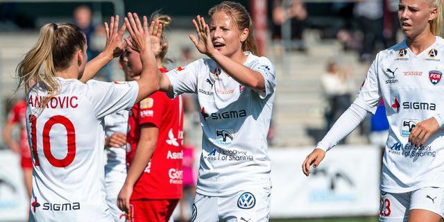 Anna Anvegård (mitten). CHRISTOFFER BORG MATTISSON / BILDBYRÅN