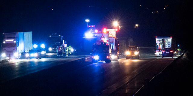 d59a9392fe0a Kvinna död i olycka på E4 i Skåne - Omni
