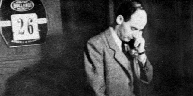 Wallenberg på sitt kontor i Budapest 1945. Arkiv.  TT / PRESSENS BILD