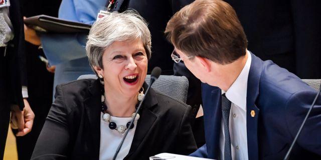 Storbritanniens premiärminister Theresa May med sin slovenske kollega under dagens EU-toppmöte. POOL / TT NYHETSBYRÅN