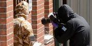 Polisen utreder förgiftningarna i Salisbury. Matt Dunham / TT / NTB Scanpix