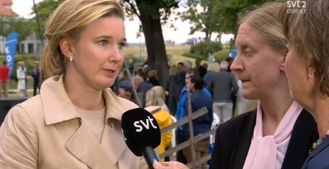 Karin Svanborg-Sjövall t.v. Susanne Nyström t.h. Skärmdump från SVT