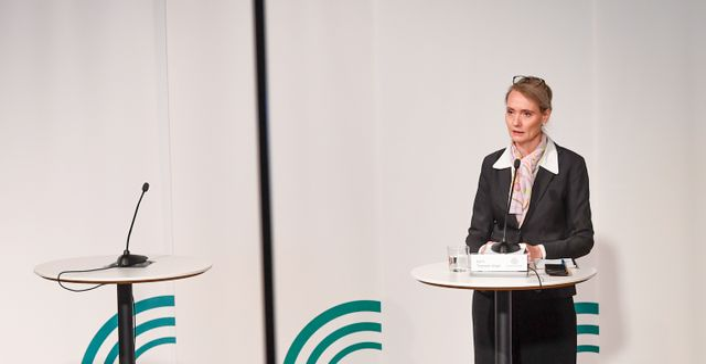 Tegmark Wisell under torsdagens presskonferens.  Fredrik Sandberg/TT / TT NYHETSBYRÅN