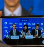 Arkivbild: IMF:s chefsekonom Gita Gopinath i mitten.  Esteban Felix / TT NYHETSBYRÅN
