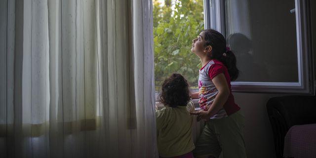 Båda barnen Hilal och Havvanur är sjuka av föroreningarna. Petruț Călinescu / The Black Sea / CC BY-SA 3.0