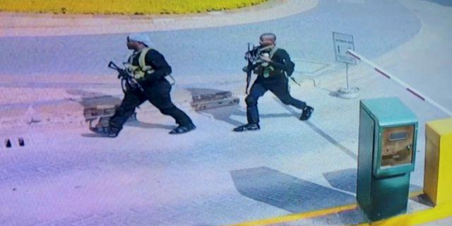 Övervakningsbilder visar terroristerna under attacken. REUTERS TV / TT NYHETSBYRÅN