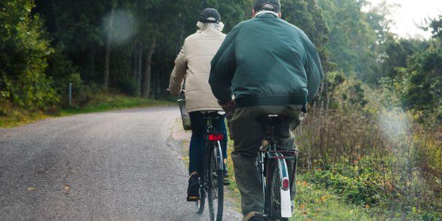 Äldre som cyklar. Martina Holmberg / TT / TT NYHETSBYRÅN
