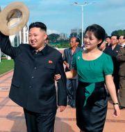 Kim Jong-un och Ri Sol-ju, 2012. Uncredited / TT NYHETSBYRÅN