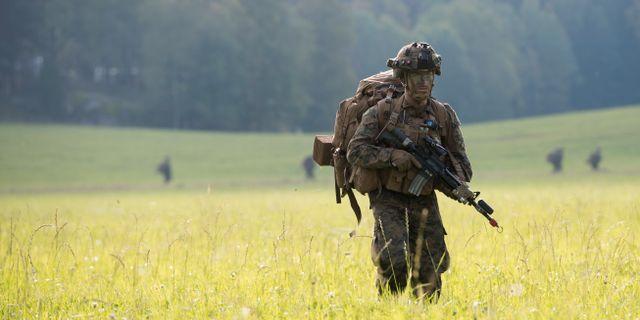 Amerikanska soldater efter en luftlandsättning i trakten runt Gnesta, under försvarsövningen Aurora. Henrik Montgomery/TT / TT NYHETSBYRÅN