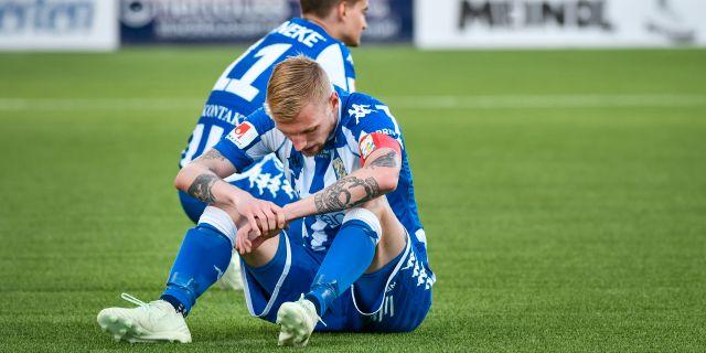 Sebastian Eriksson deppar efter en förlust. Robert Henriksson/TT / TT NYHETSBYRÅN