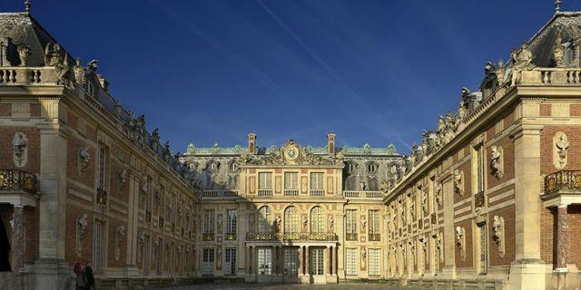 Versailles ligger två sydväst om Paris. Eric Pouhier