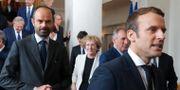 Edouard Philippe och Emmanuel Macron.  Philippe Wojazer / TT / NTB Scanpix