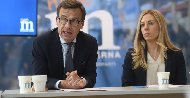 Moderaternas partiledare Ulf Kristersson och miljö- och klimatpolitiska talespersonen Jessica Rosencrantz. Fredrik Sandberg/TT / TT NYHETSBYRÅN