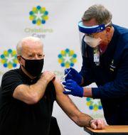 Joe Biden vaccineras. Susan Walsh / TT NYHETSBYRÅN