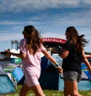 Vy från campingen mot stora festivalscenen på Bråvallafestivalen. Pontus Lundahl/TT / TT NYHETSBYRÅN