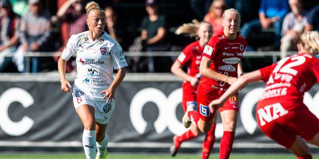 Hanna Bennison till vänster i den vita tröjan.  Christoffer Borg Mattison/Bildbyrån