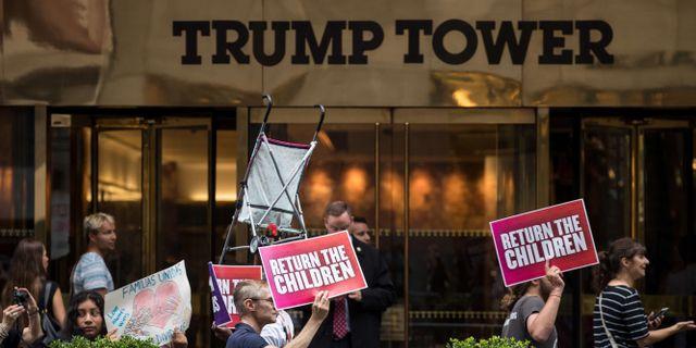 protester mot familjeseparationerna utanför Trump Tower i New York.  Drew Angerer / GETTY IMAGES NORTH AMERICA
