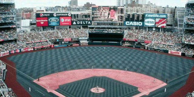 Yankee Stadium sedd av någon med tritanopi. Lenstore