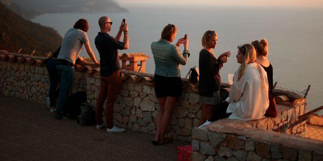 Turister på Mallorca. Joan Mateu / TT NYHETSBYRÅN
