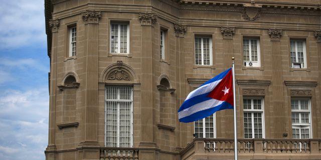 Kubanska flaggan vid ambassaden i Washington.  Carlos Barria / TT NYHETSBYRÅN