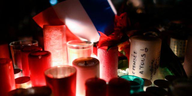 Ljus som lämnats för att hedra offren. SEBASTIEN BOZON / AFP