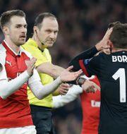 Jonas Eriksson gav Milan en tveksam straff Alastair Grant / TT / NTB Scanpix