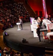 Löfven talar till partimedlemmarna. Filip Erlind/TT / TT NYHETSBYRÅN