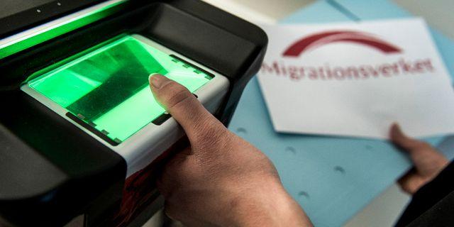 Registrering och och fingeravtryck av asylsökande. Marcus Ericsson/TT / TT NYHETSBYRÅN