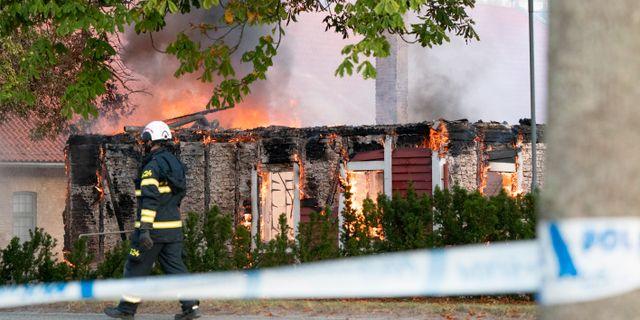 Larmet om branden kom tidigt på onsdagsmorgonen. Johan Nilsson/TT / TT NYHETSBYRÅN