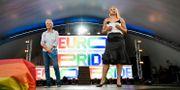 Pia Sundhage och Anja Pärson talar under invigningen av EuroPride 2018 i EuroPride Park på Östermalms IP. Stina Stjernkvist/TT / TT NYHETSBYRÅN