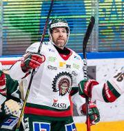 Joel Lundqvist i mitten.  FREDRIK KARLSSON / BILDBYRÅN