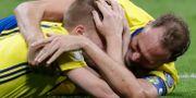 Glädjescener efter 0–0 mot Italien. Luca Bruno / TT NYHETSBYRÅN