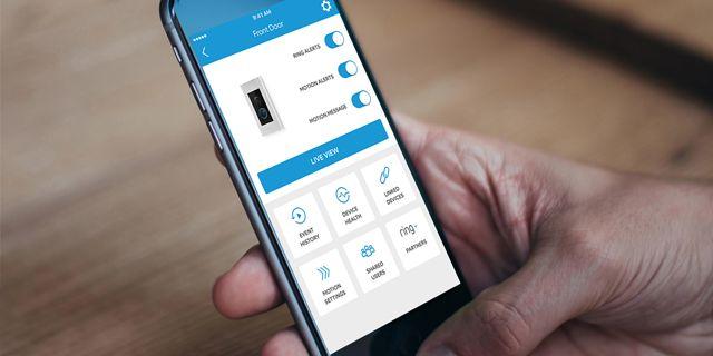 Med Ring:s app kan du lätt få en överblick kring ditt hem när du är borta. RING