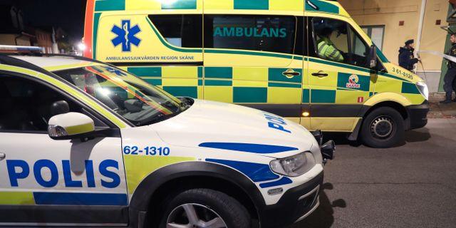 Polis och ambulans på plats. Andreas Hillergren/TT / TT NYHETSBYRÅN