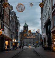 Ödsliga gator i Amsterdam Peter Dejong / TT NYHETSBYRÅN