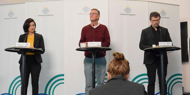 Taha Alexandersson, Socialstyrelsen, statsepidemiolog Anders Tegnell och Svante Werger, MSB. Janerik Henriksson/TT / TT NYHETSBYRÅN