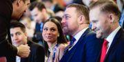 Avgående gruppledaren Mattias Karlsson (SD) och tillträdande riksdagsgruppledare Henrik Vinge (SD) under Sverigedemokraternas landsdagar i Örebro.  Pavel Koubek/TT / TT NYHETSBYRÅN
