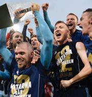 Amanda Lind/Djurgården firar SM-guld TT