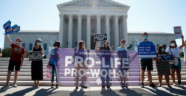 Abortmotståndare demonstrerar utanför Högsta domstolen. Patrick Semansky / TT NYHETSBYRÅN