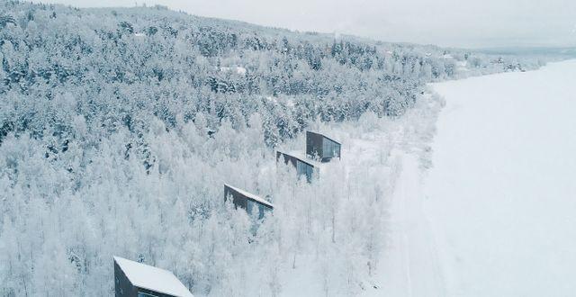 Hotellets 12 trästugor är arkitektritade i skandinavisk stil.  Pasquale Baseotto