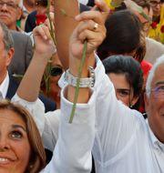 Antonio Costa (i mitten längst fram) i samband med ett kampanjmöte på fredagen. Armando Franca / TT NYHETSBYRÅN
