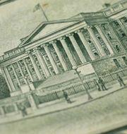 USA:s finansdepartement på en 10-dollarsedel Shutterstock