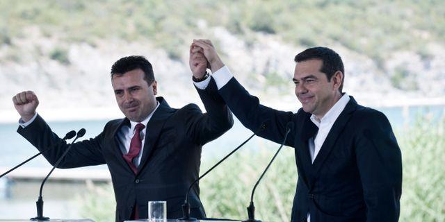 Alexis Tsipras och Zoran Zaev.  SAKIS MITROLIDIS / AFP
